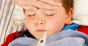 چگونه تب کودک را پایین بیاوریم؟